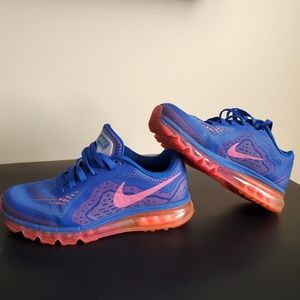 Nike/Air Max Running Shoes/ Size 9